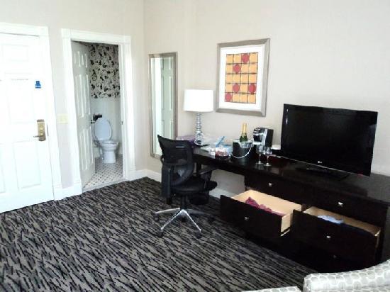 Fairfield Inn & Suites by Marriott Keene Downtown: Our Room