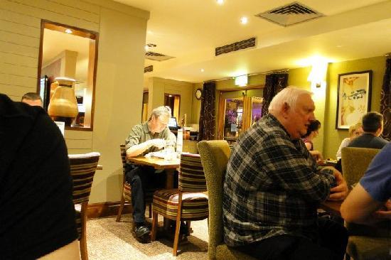 Premier Inn Bristol Cribbs Causeway (M5, J17) Hotel : Premier Inn Cribb Causeway restaurant