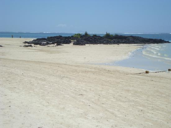 ลักซ์ เบลเล มาเร: plage idyllique