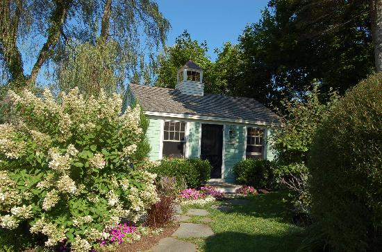 The Cottages at Cabot Cove: Pretty Cottage