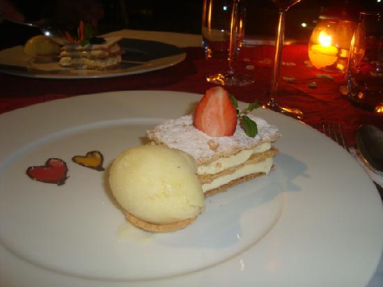 LUX* Belle Mare: dessert raffiné au Langoustier