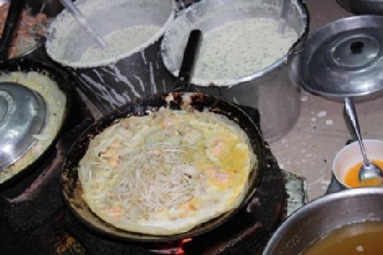 Vespa Adventures: Banh Xeo cooking