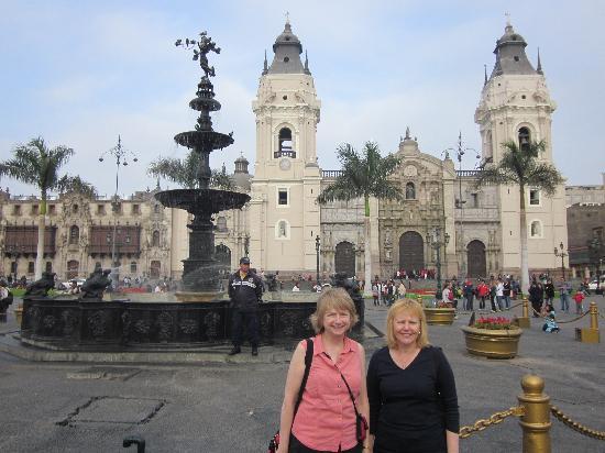 Monica Tours Peru: Plaza Mayor