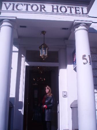 Victor Hotel London Victoria: Entrée de l'hôtel