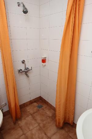 จิงเจอร์ นิวเดลี: bathroom