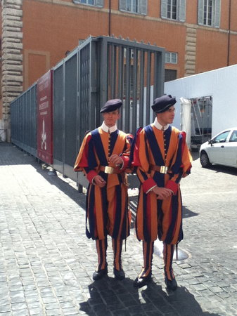 What a Life Tours: Swiss Guards