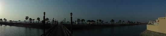 เดอะโคพโรทาน่ารีสอร์ท รอส อัลคอยมาห์: beach