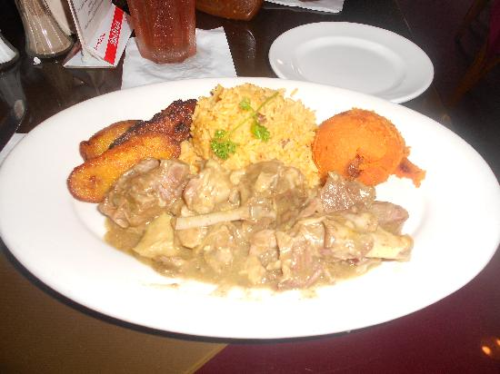 Cuzzin's Caribbean Restaurant and Bar: lunch at Cuzzin's