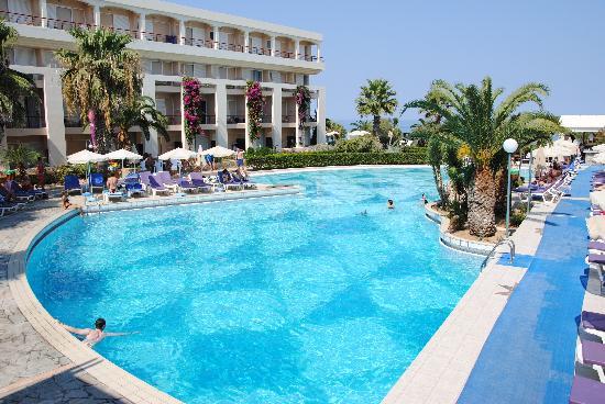 Rethymno Palace : La piscine, spacieuse