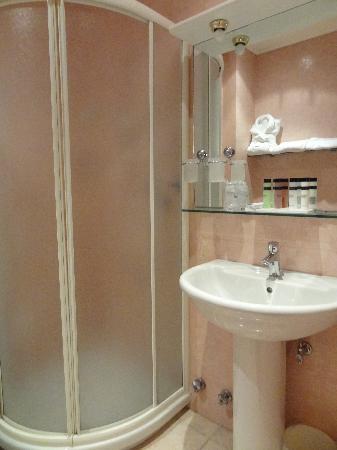 Grand Hotel Europa: nice bathroom