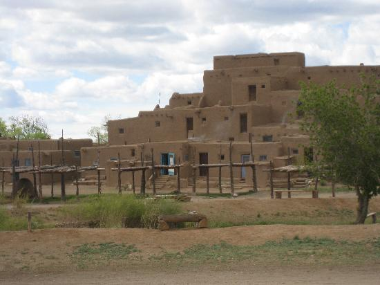 Taos Pueblo: Nice overview of part of the Pueblo
