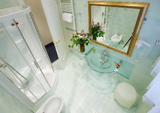 Ca' Angeli: bathroom