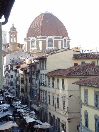 Hotel Corona D'Italia: good location - view from my window