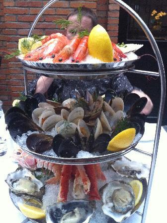 Geruisi Art Hotel: le fabuleux plateau de fruits de mer