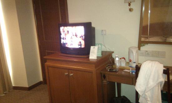 โรงแรมเบย์วิว จอร์จทาวน์: Old school TV