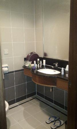 โรงแรมเบย์วิว จอร์จทาวน์: Bathroom
