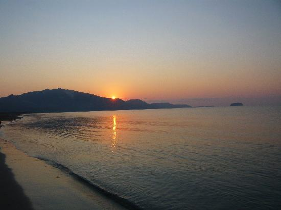 Louis Zante Beach: Sunrise on the beach