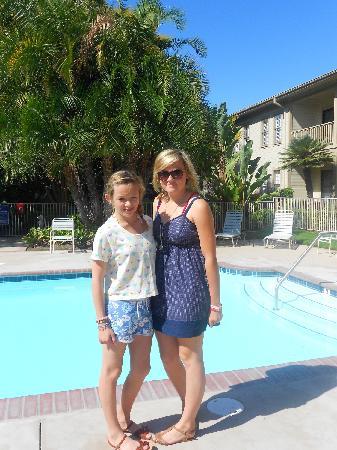 Pacifica Suites Santa Barbara: Pool area.