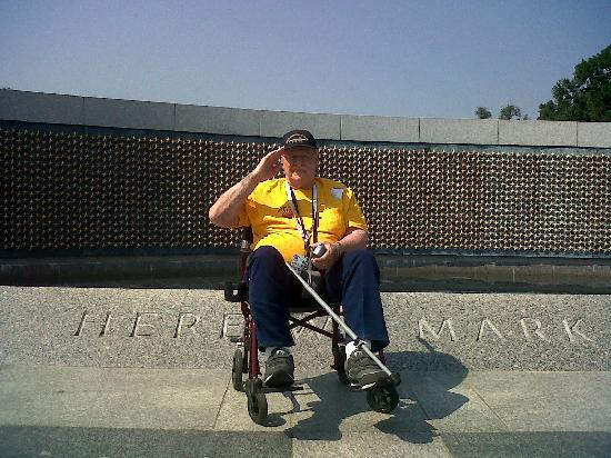 อนุสรณ์สงครามโลกครั้งที่ 2: Wall of Freedom