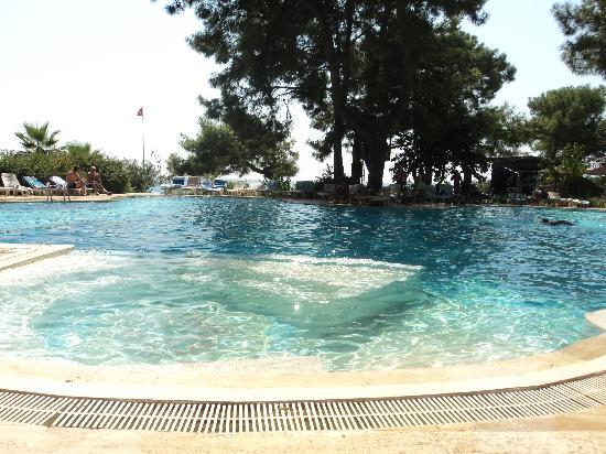 Club Pinara Beach Otel: Бассейн при отеле