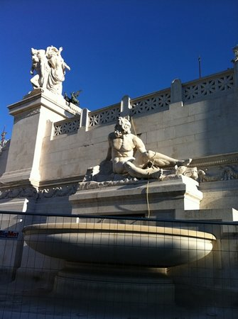 Europe Odyssey Tours: meeting place for the rome city tour