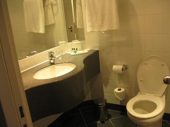 Sofitel London Gatwick: bathroom