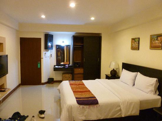 True Siam Phayathai Hotel: room