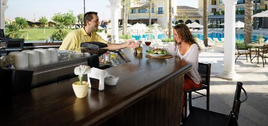 InterContinental Mar Menor Golf Resort & Spa: Al Freco Pool Bar
