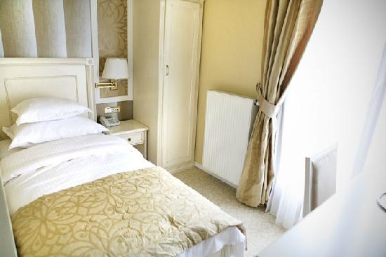 Hotel Villa Viktorija: single room-2
