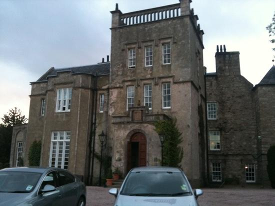 Macdonald Pittodrie House: fawlty towers