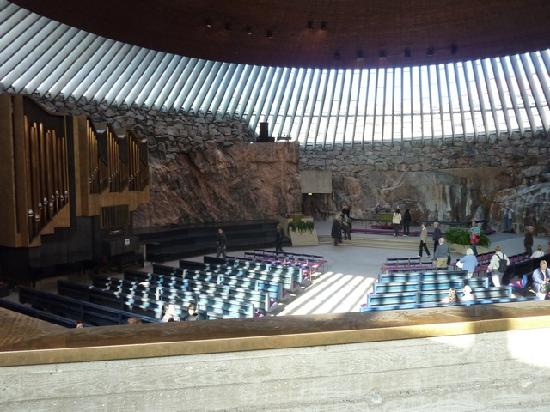 Temppeliaukio-Kirche: Inside of the Rock Church