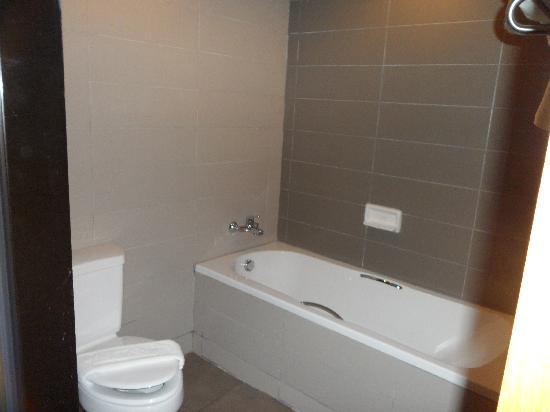 โรงแรมซีมีสปริง: seperate bath