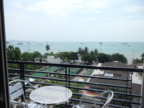 โรงแรมซีมีสปริง: balcony view
