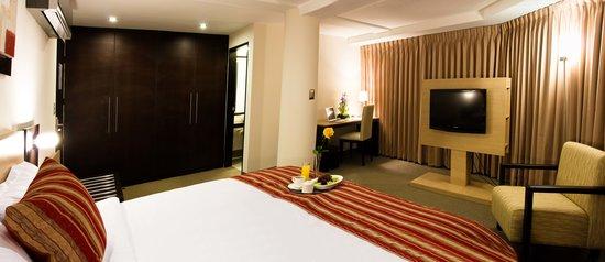 Allpa Hotel & Suites: Superior Room
