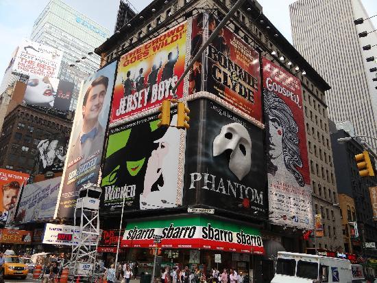 บอร์ดเวย์: Broadway
