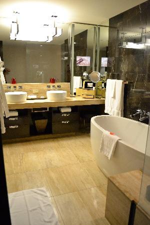 Mandarin Oriental, Las Vegas: Bathroom