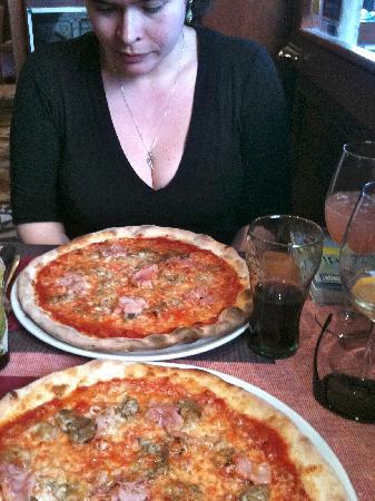 Pizzeria Vittoria: Bei Vittoria