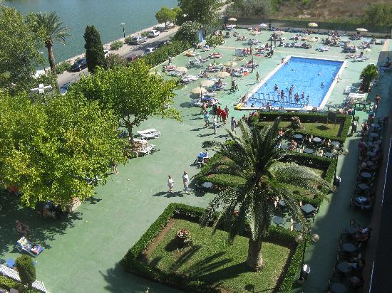BelleVue Lagomonte: pool site