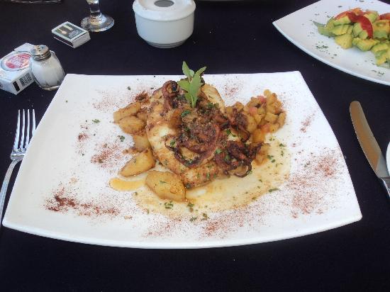 Sociedad Asturiana Castropol: Fish Dish