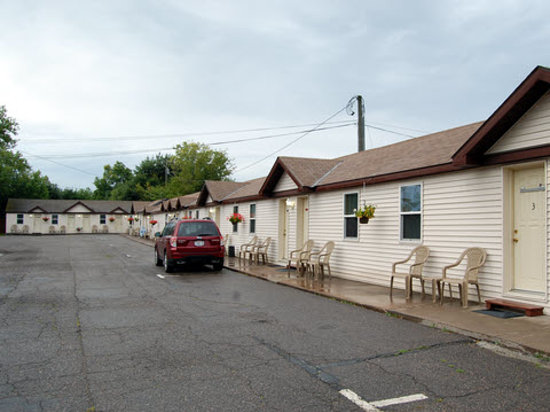 Longships Motel