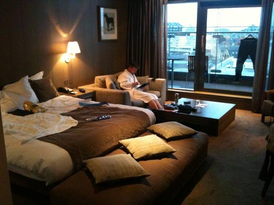 Radisson Blu Royal Hotel, Dublin: The suite on 6th floor