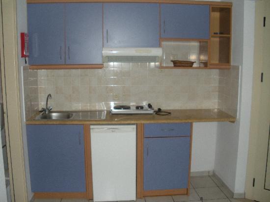 Maria Rousse Studios: kitchen