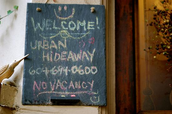 Urban Hideaway Guesthouse: Front entrance
