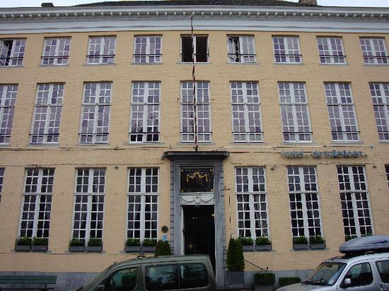 Hotel De Tuilerieen: Hotel view from street
