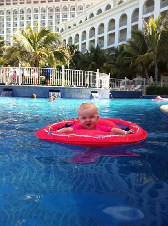 Hotel Riu Cancun: my daughter loved the pool everyday :)