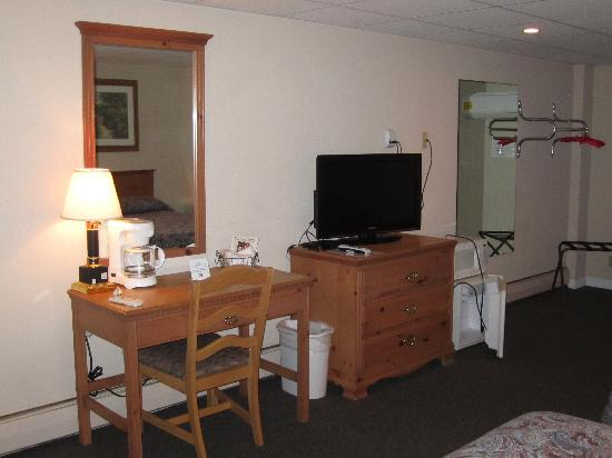 The Mill Stone Manor Motel: New furniture and tv's!