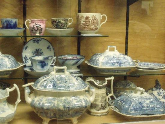 Queens County Museum: An interesting China Cabinet