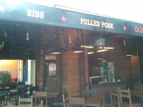 Old Market Smokehouse: Yeah!!!  Ribs and Pulled Pork!!!