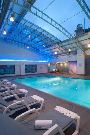Hotel Dann Carlton Quito: Pool Dann Carlton Quito