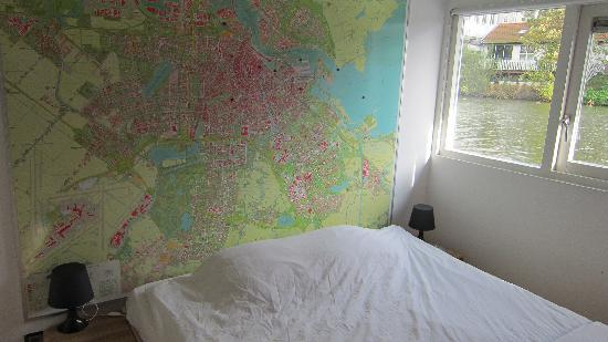 Bed Breakfast Boat: Interior